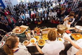 Gourmet Gallery - Live Cooking