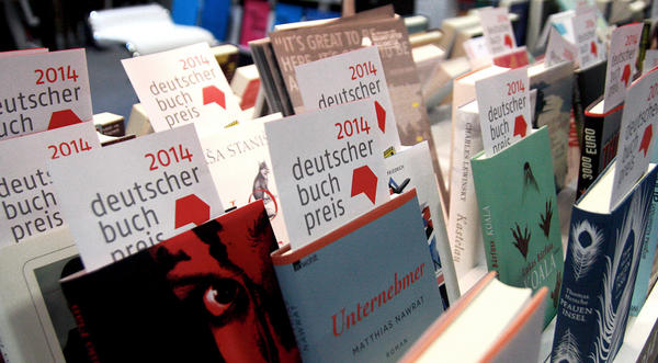 "Many books with a ""German Book Prize"" insert"